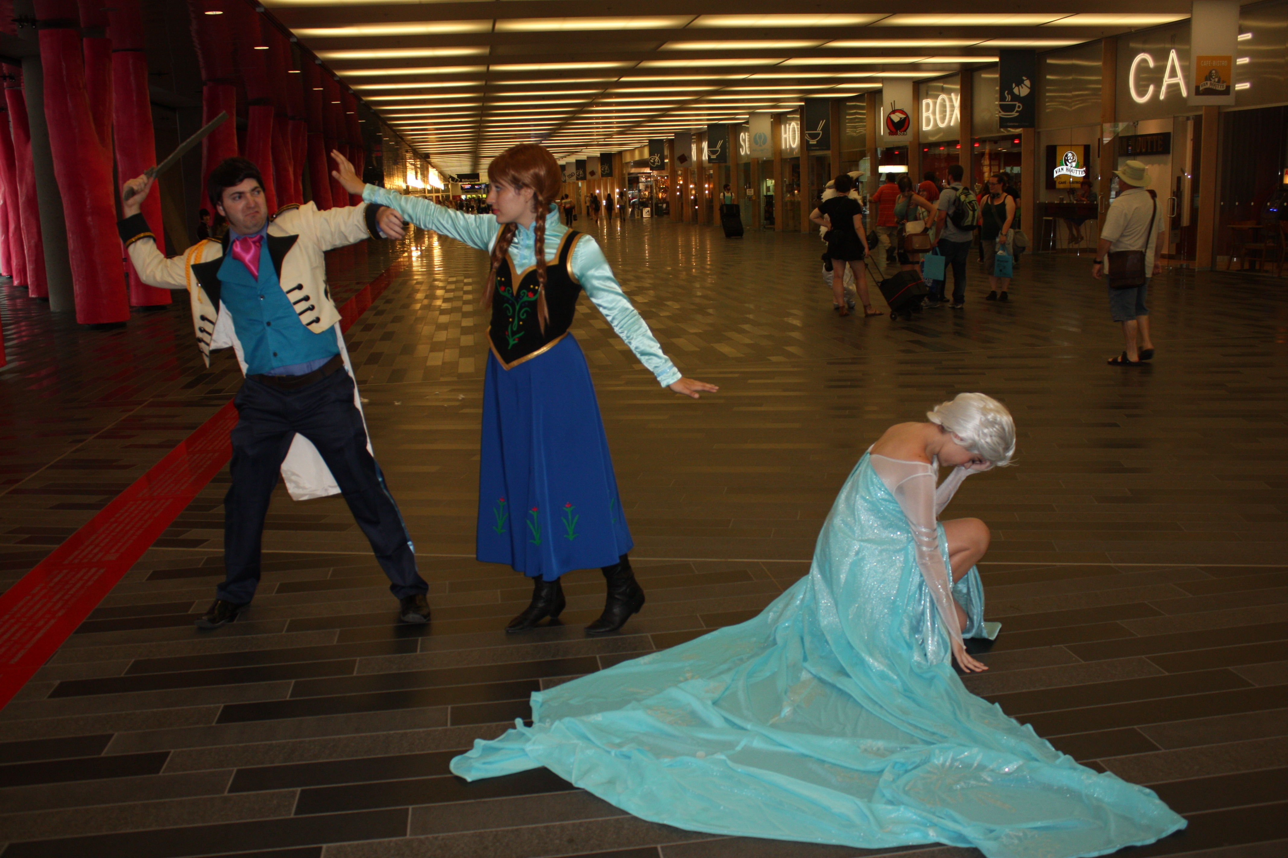 anna frozen coloring pages - File Otakuthon 2014 Hans Anna and Elsa