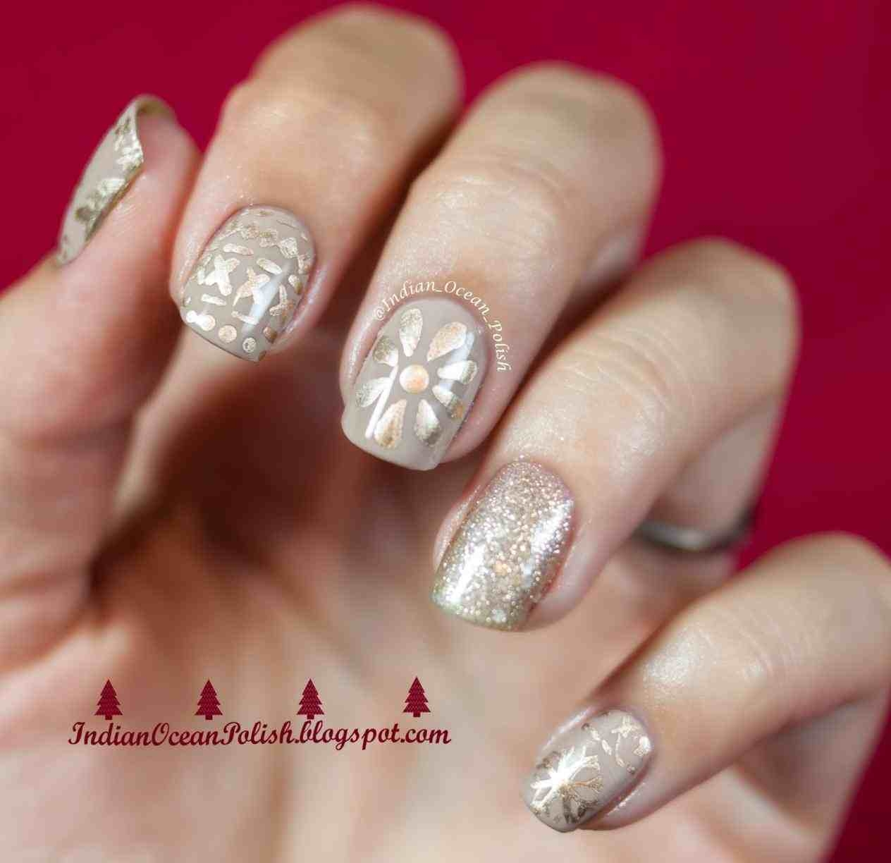 Fall Leaves Coloring Pages - Gold Christmas Nail Designs